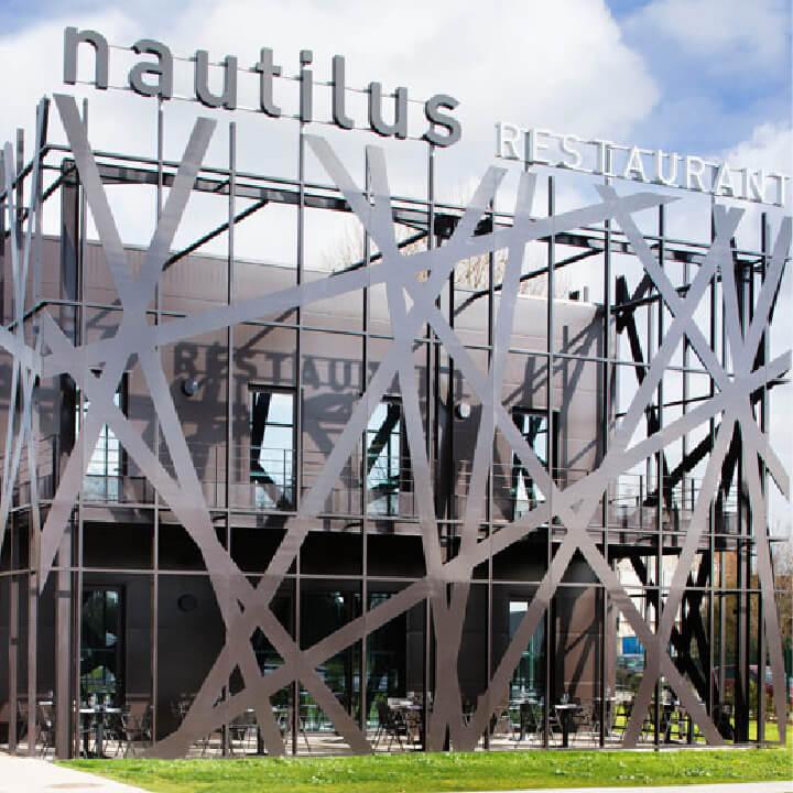 kaluen-menuiserie-aluminium-professionnels-alu-brest-finistere-bretagne-realisation-restaurant-nautilus-paris