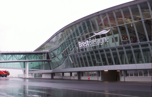 Kaluen spécialiste de la menuiserie aluminium à Brest conçoit et installe vos mur-rideaux